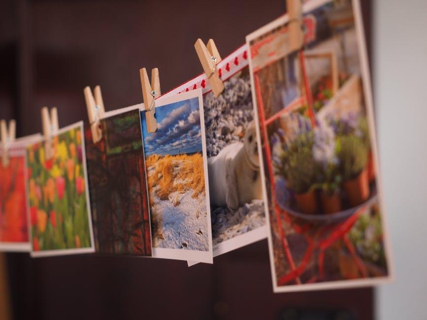 photos hanging